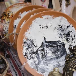 "Exhebition-fairs of craftsmen and artists of amateur association ""Garadzenskі Kalaryt """